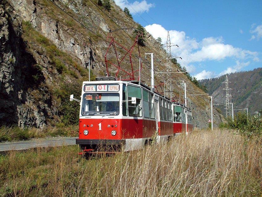 Train LM-68M (71-881) en-route to SShGES